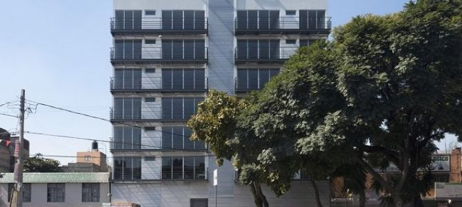El precio por metro cuadrado según la zona, puede partir de los 13,213 pesos; en tanto que el tamaño promedio de las viviendas es de 69 metros cuadrados en promedio, ...